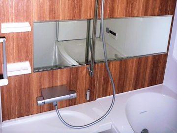 お世話になります。安らぎのお風呂さん<br>お風呂はリクシルのアライズ+ジェットバス洗面化粧台もリクシル製です。使いやすさ、機能面も抜群です。