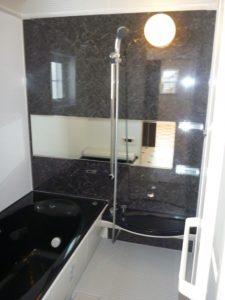 ハイドーム天井<br>リクシルさんのお風呂は、カナリいいです。